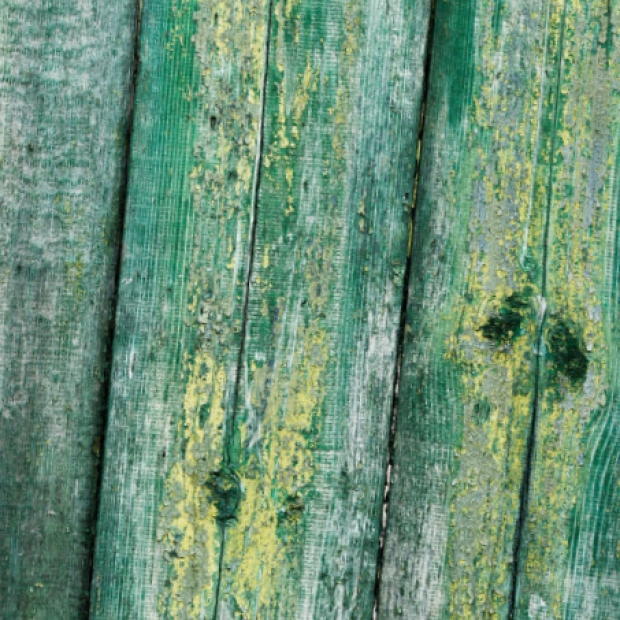 Enlever peinture sur bois : comment décaper ce matériau ?